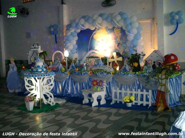 Decoração Cinderela tradicional com toalhas em tecido versão super luxo para festa de aniversário infantil