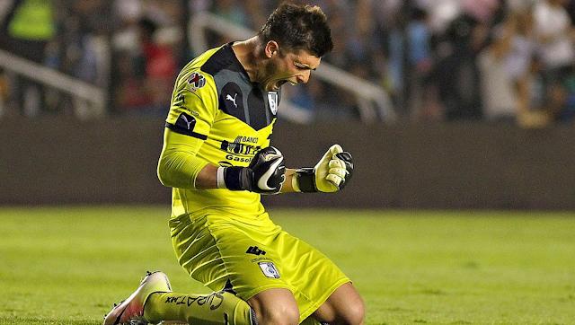 Volpi festeja gol en el duelo Querétaro vs. Pumas