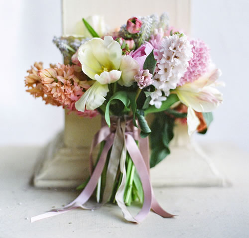 Spring Wedding Flowers: Lace, Pearls And Bouquets: Vintage Bouquet Inspiration
