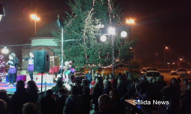 Άναμμα του Χριστουγεννιάτικου Δένδρου
