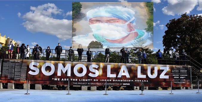 """Mural """"Somos la Luz""""  en Queens rinde homenaje a pediatra  dominicano Ydelfonso Decoo muerto por coronavirus"""