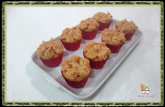 Cupcake de guaraná e doce de leite 2