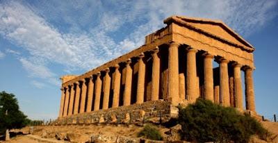 Grecia y la Ley de las XII Tablas