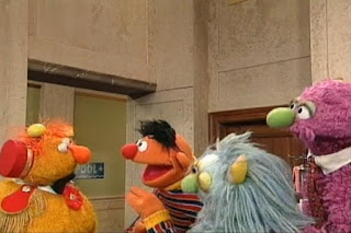 Humphrey and Ingrid begin to teach Ernie everything they know. Sesame Street 123 Count with Me