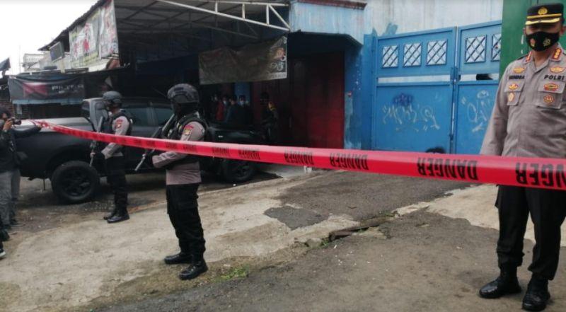 Geledah Rumah Terduga Teroris di Bekasi, Polisi Temukan Dua Benda Mencurigakan Ini
