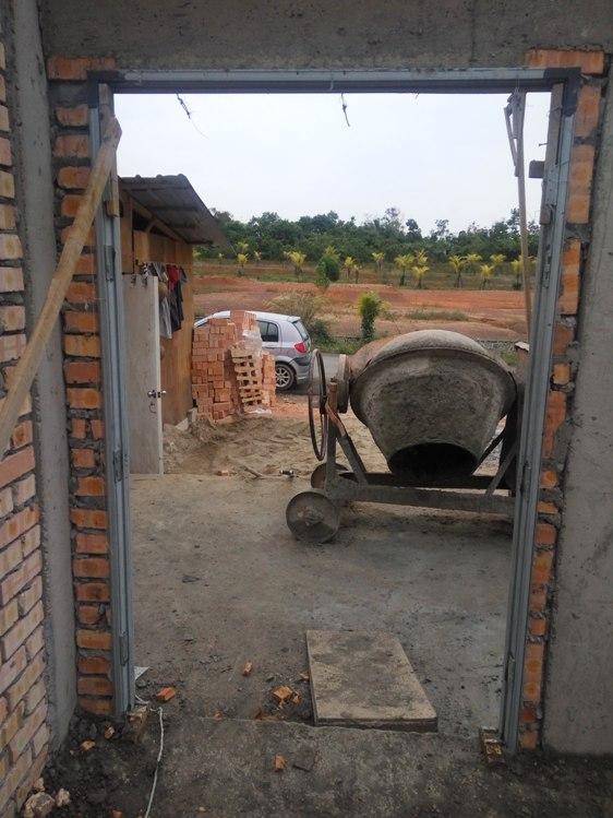 Bina rumah banglo atas tanah sendiri