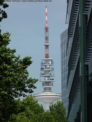 Funkturm Hamburg, Blick vom Hafen