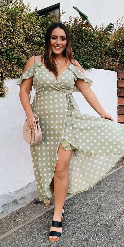 Transform your summer looks with these fashion-forward summer outfits for every summer occasion. Summer Outfit Ideas via higiggle.com | plus size outfits, long dress | #summeroutfits #fashion #plussize#dress