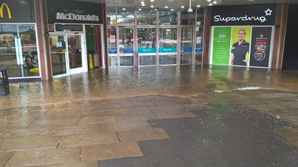 London shopping centre closed due to flooding