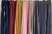 11 Warna Rok Plisket Yang Netral dan Trending