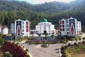 Berapa Biaya Sekolah di Al-Izzah International Islamic Boarding School  Batu Malang Tahun Ajaran 2022/2023