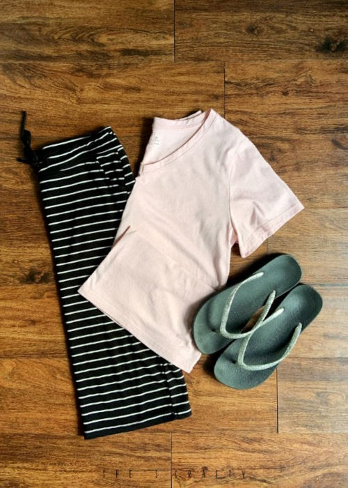 6 Easy Summer Outfit Ideas for moms that are Cool and Comfortable - knit skirt and V neck T shirt