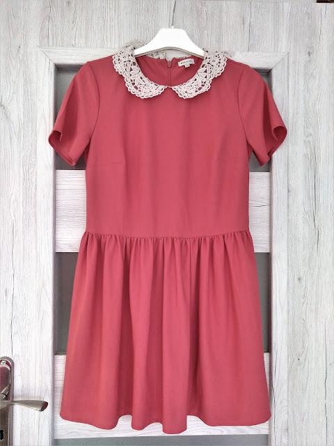 oryginalna-koralowa-sukienka-z-kolniezyk