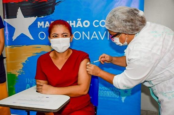 Famem mobiliza prefeituras por dados sobre profissionais da educação para vacinação contra Covid-19