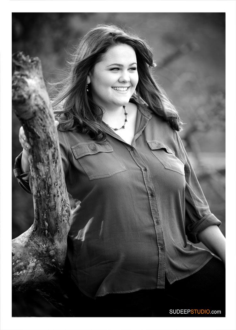 High School Girls Senior Pictures in Magazine Fashion Style Black White by SudeepStudio.com Ann Arbor Senior Portrait Photographer