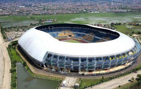 Wakil Walikota Bandung, Bermimpi GBLA Jadi Stadion Berstandar Eropa.