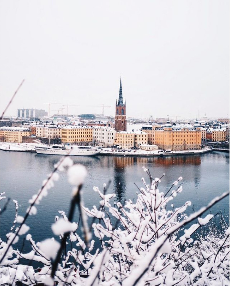 A White Swedish Apartment in Stockholm In Winter Time