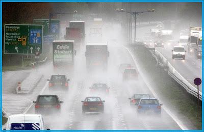 tips mengemudi dimusim hujan