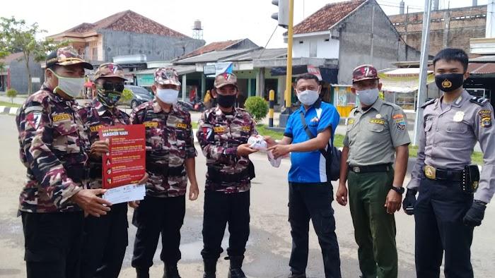 Polres PMI  IWO Dan Fkppi Melaksanakan Kegiatan Membagikan Masker dan Sabun.