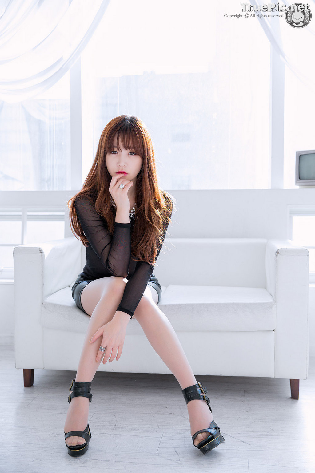 Image Korean Model - Hong Ji Yeon - Cute and Sexy In Studio - TruePic.net - Picture-5