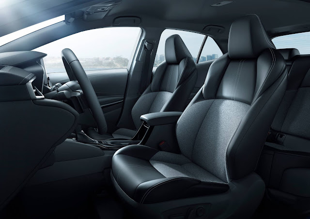 Toyota Corolla Hatchback 2019 - bancos dianteiros