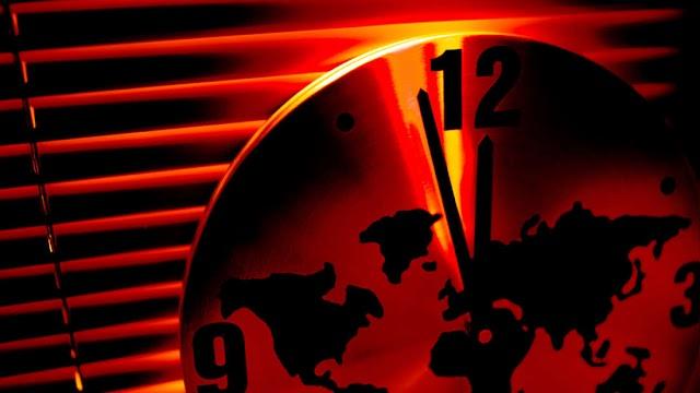 Εξ αιτίας του 2020, το ρολόι Doomsday πλησιάζει πιο κοντά στα μεσάνυχτα
