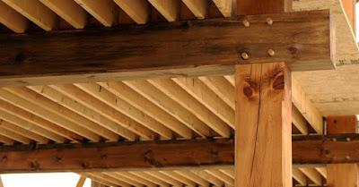 Propiedades físicas de la madera de construcción