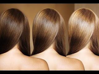 Blondir ses cheveux avec spray éclaircissant cheveux brun naturel à base de la camomille