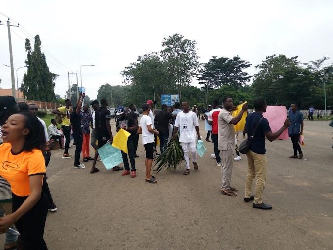 Ondo youths shut down Gov. Akeredolu's office