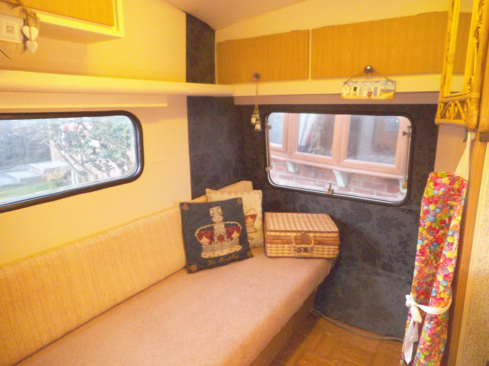 Morris - 1970s Vintage Caravan Restoration