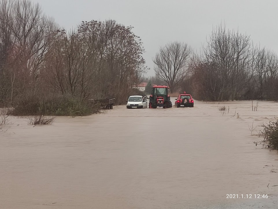 Βούλιαξε ο Έβρος - Βροχή τα προβλήματα από την κακοκαιρία