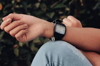 Teka Keperibadian Seseorang Dari Cara Memakai Jam Tangan