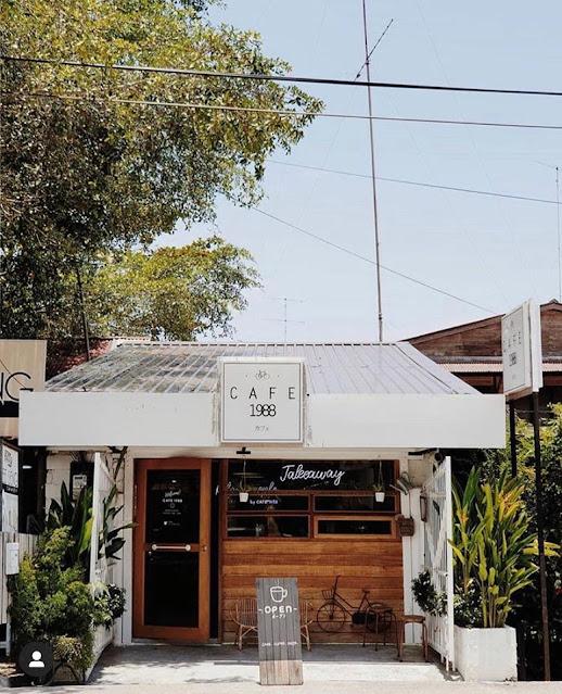 MENGOPI DI CAFE 1988 MUAR