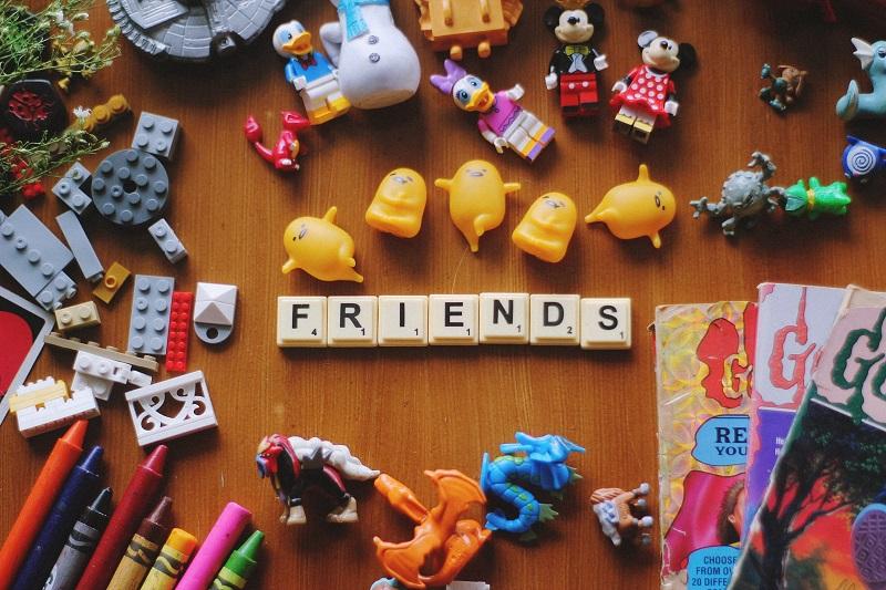 Le feste di compleanno per bambini possono essere un ottimo modo per i genitori che non si conoscono di socializzare