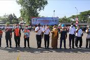 Wabup Gresik Berikan Penghargaan Petugas Lalulintas Sukarelawan Atas Dedikasi Kurangi Resiko Kecelakaan