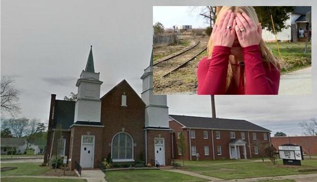Ανεξήγητο περιστατικό στην Καρολίνα έξω απο μια εκκλησία, ένα κορίτσι έβγαλε τα μάτια της!