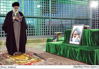 Aqidah Syiah: Siapa yang Shalat 4 Rakaat Di Sisi Kuburan Imam Ja'far Maka Akan Bahagia