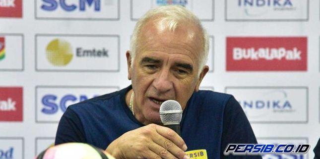 Pelatih Persib Mario Gomez Isyaratkan Lepas Beberapa Pemain