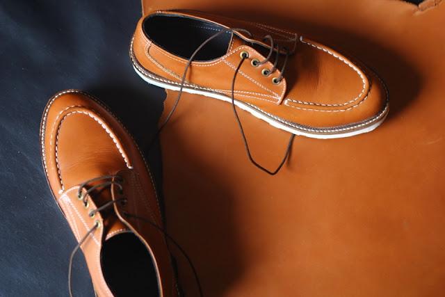 Model Sepatu Kulit Moc Toe Tan pria kekinian