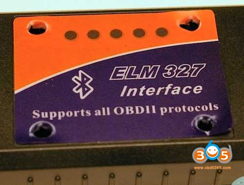 elm327-bluetooth-inner-parts-2