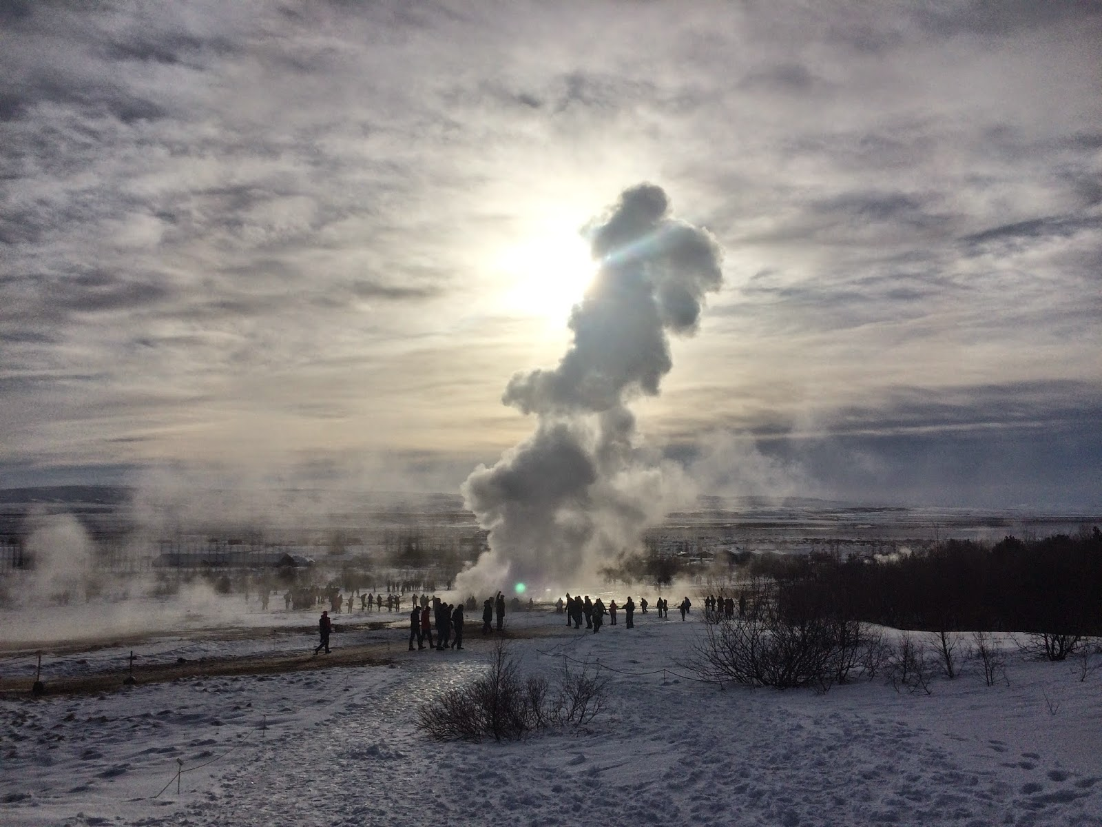 Iceland's Golden Circle Tour - geyser