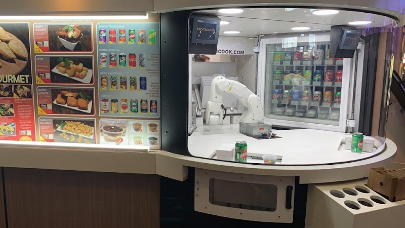 Primeira rede de franquias fast food robotizada do mundo