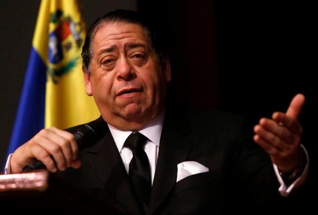 """Hermann Escarrá tilda de """"genio"""" a Nicolás Maduro (¿porqué le cumple los deseos?)"""