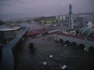 Video Tsunami di Kepulauan Palu, Sulawesi, Indonesia