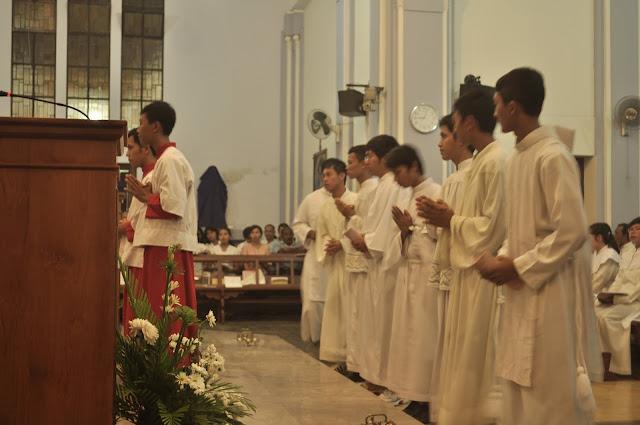 9 Langkah Penting Agar Seorang Misdinar Sukses Melayani Altar