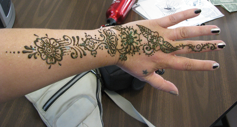 Cute Hand Henna Tattoo Ideas: Henna Tattoo Photos Designs