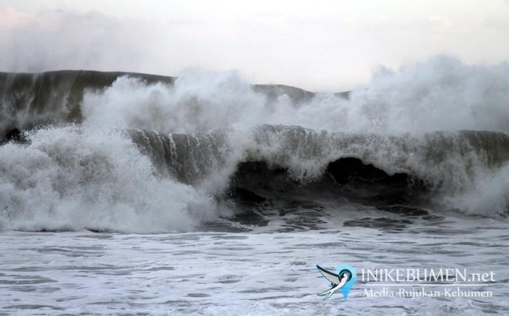 WASPADA! Gelombang Tinggi di Perairan Selatan Kebumen Diprediksi Hingga 5 Juni 2020