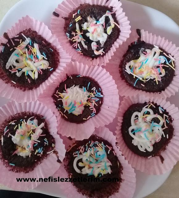 Damla Çikolatalı Muffin Kek nasıl yapılır