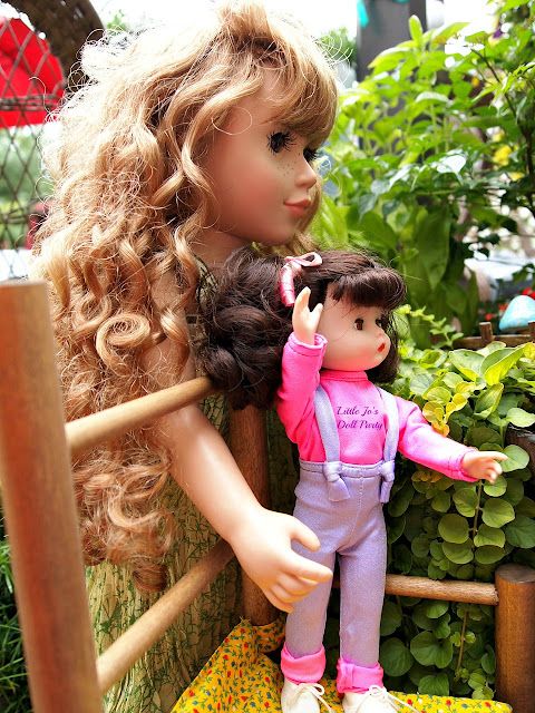 Just Pretend Laurel The Wood Fairy Stardust classics doll, Raised container Garden,