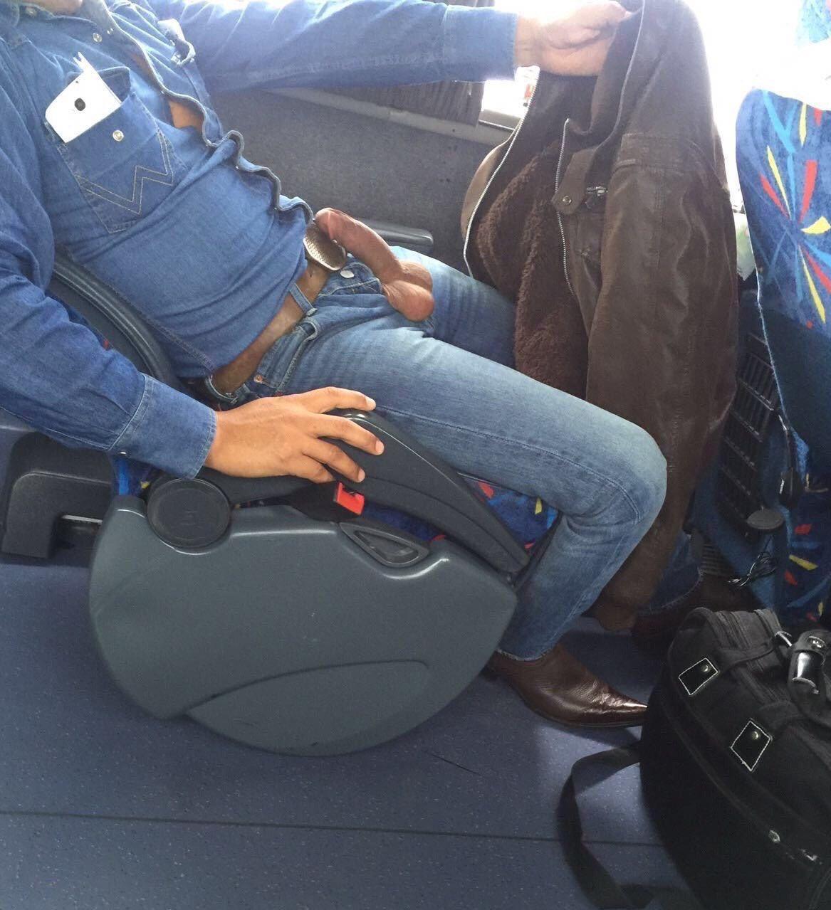 penes en un bus